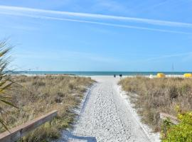 Gulf Winds Resort by TRS, resort in St. Pete Beach