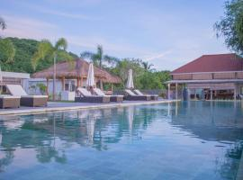 The Suites Lombok, beach hotel in Sekotong
