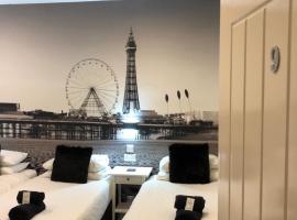 Happy Return Hotel, hotel near Comedy Carpet, Blackpool