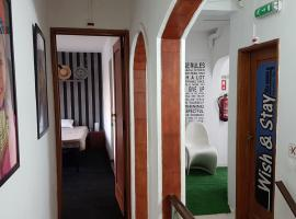 Wish & Stay, hostel in Albufeira