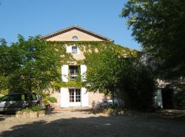 Gites Domaine d'En Baleux, hotel near Castres-Mazamet Airport - DCM,