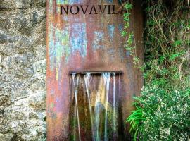 Enoturismo Novavila Rias Baixas Wine Design, hotel cerca de Playa de Areas, Meis