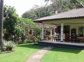 Indah Homestay, guest house in Senggigi