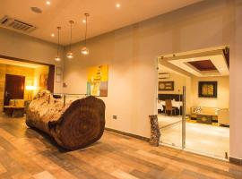 Earl Heights Suites Hotel, hotel in Accra