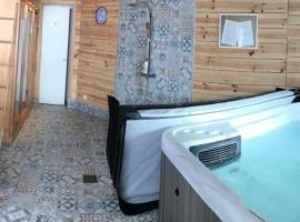 L'hostellerie de Sèvremont, hotel near Puy du Fou Theme Park, Saint-Michel-Mont-Mercure