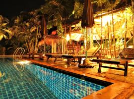 Bamboo Hideaway Resort, hotel in Ko Mak