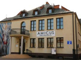 Amicus Żoliborz, nakvynės su pusryčiais namai Varšuvoje