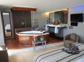 Elégance Suites Hôtel, accessible hotel in Le Bois-Plage-en-Ré