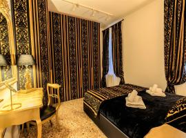 Palazzo del Sale, Rialto, self catering accommodation in Venice