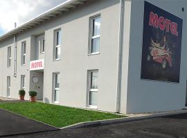 AVIA Motel Bisamberg, Bed & Breakfast in Korneuburg