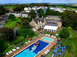 Atlantic Reach Resort, resort in Newquay