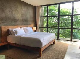 Inchantreedoopool, hotel in Kanchanaburi