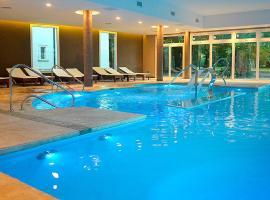 Howard Johnson Resort & Spa Escobar, hotel en Belén de Escobar