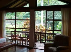 The Country House, family hotel in Senggigi