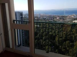 **** Roy d espagne, up to 7 people, best view in safe residence ****, hotel near ONET Technologies, Marseille