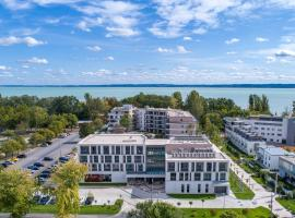 Aura Hotel Adults Only, hotel near Royal Balaton Golf & Yacht Club, Balatonfüred
