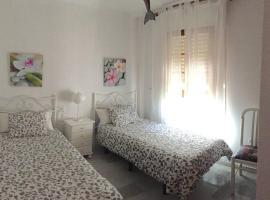 Duplex con vistas panoramicas, hotel in Mijas