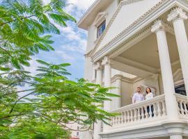 White Mansion 白色公馆, отель в Пномпене