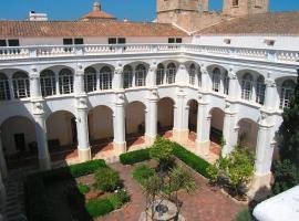 El Claustre de Ciutadella - HOSPEDERIA, hostel in Ciutadella