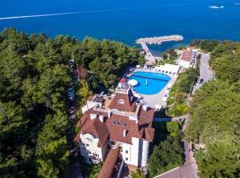 Отель Морской клуб, отель в Дивноморском