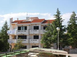 Apartments with a parking space Punat, Krk - 5375, hotel in Punat