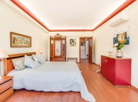 Cosmopolis 2, hotel near Calouste Gulbenkian museum, Lisbon