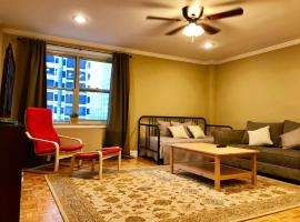 Laugh, Eat, Sleep Downtown Wine Down 9E, serviced apartment in Atlanta
