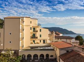 Hotel La Pergola, hotel in Santa Maria di Castellabate