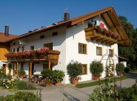 Utznhof, farm stay in Seeon-Seebruck