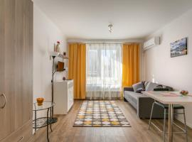 Apartaments on Varshavskoye shosse, 141, hotel near Severnoye Siyaniye Shopping Centre, Moscow