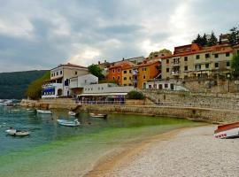 Lucy, pet-friendly hotel in Rabac