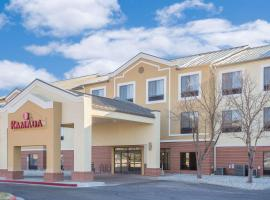 Ramada by Wyndham Denver International Airport, spa hotel in Denver