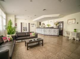 Hotel Oasis Familiar, hotel in Jerez de los Caballeros