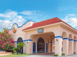 Travelodge Suites by Wyndham East Gate Orange, hotel near Falcon's Fire Golf Course, Kissimmee