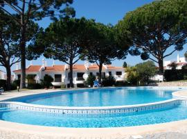 3 Bed Holiday Home Lakeside Village Quinta Do Lago, hotel in Faro