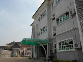 Kifina Emerald Hotel, hotel in Abuja