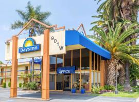 Days Inn by Wyndham Los Angeles LAX/VeniceBch/Marina DelRay, hotel in Los Angeles