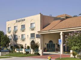 Days Inn by Wyndham Riverside Tyler Mall, hotel in Riverside