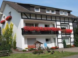 Haus am See - Pension und Ferienwohnung, Pension in Winterberg