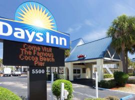 Days Inn by Wyndham Cocoa Beach Port Canaveral, motel in Cocoa Beach