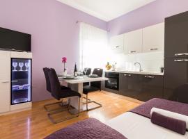 Summer Holiday Apartment, hotel near Mall of Split, Split