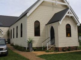 Church Conversion, hotel near Carrington Falls, Robertson