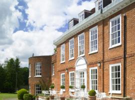 Stoke Place- Part of the Cairn Collection, hôtel à Slough