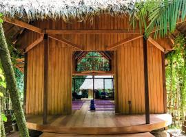 Casa Amazonas, hotel in Tambopata