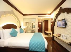 Comfort Inn Sapphire, hotel near Nahargarh Fort Palace, Jaipur