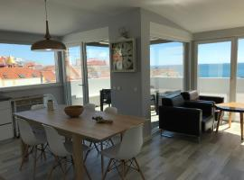 Blue Bay Beach Apartment, hotel em Sesimbra