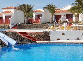 Bungalows Castillo Beach, hotel with pools in Caleta De Fuste