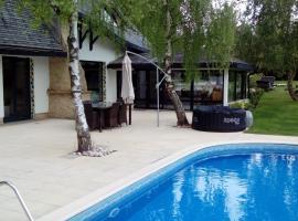 Willa SASINO – dom wakacyjny w Sasinie