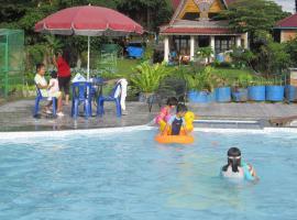 Horas Family Home, pet-friendly hotel in Tuk Tuk