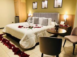 Hausen Hotel, hotel in Trujillo
